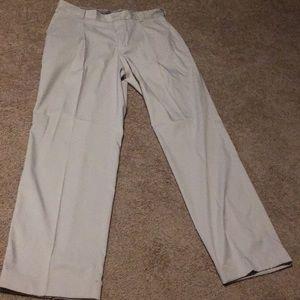 Nike Golf drifit white pleated pants 32x32 M